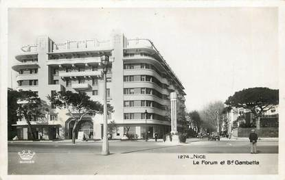 "CPSM FRANCE 06 ""Nice, le Forum et boulevard Gambetta"""