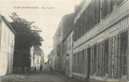 """CPA FRANCE 17 """"Saint Martin de Ré, rue Carnot"""""""