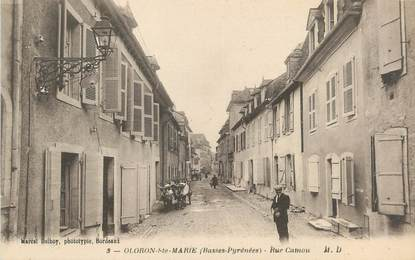"CPA FRANCE 64 ""Oloron Ste Marie, rue Camou"""