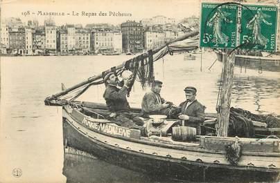 """CPA FRANCE 13 """"Marseille, le repas des pêcheurs"""""""