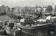 """64 PyrÉnÉe Atlantique CPSM FRANCE 64 """"Saint Jean de Luz, les thoniers dans le port"""""""