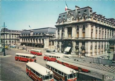 """CPSM FRANCE 33 """"Bordeaux, la gare Saint Jean"""" / BUS"""""""
