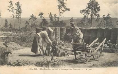 """CPA FRANCE 21 """"Charbonniers en forêt, dressage d'un fourneau"""""""