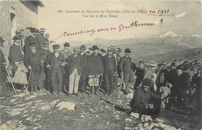 """CPA FRANCE 74 """"Caravane au sommet du Parmelan, vue sur le Mont Blanc"""""""