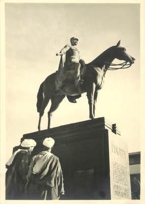 "CPSM / PHOTO LE MAROC ARTISTIQUE / Ed. ART MAROC ""Casablanca, Statue du Mal Lyautey"""