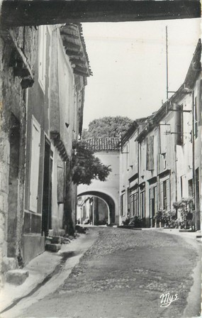 "CPSM FRANCE 32 "" Gondrin, rue du château """