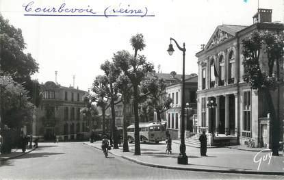 """CPSM FRANCE 92 """" Courbevoie, la mairie """" / AUTOBUS"""