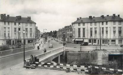"CPSM FRANCE 08 ""Rethel, le pont sur l'Aisne, rue Gambetta"""