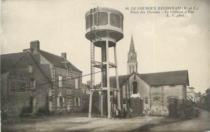 """/ CPA FRANCE 49 """"Le Louroux Beconnais, place des Perreins, le château d'eau"""""""