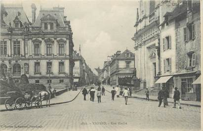 """/ CPA FRANCE 56 """"Vannes, rue Hoche"""""""