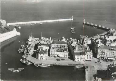 """/ CPSM FRANCE 56 """"Belle Ile en Mer, le palais, le quartier du port"""""""
