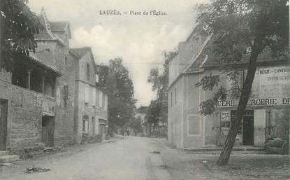 """/ CPA FRANCE 46 """"Lauzès, place de l'église"""""""