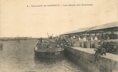 """CPA DJIBOUTI """"Les quais des douanes"""" / CACHET AMBULANT MARITIME AU VERSO / PHILATÉLIE"""
