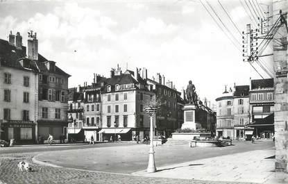 """/ CPSM FRANCE 39 """"Lons Le Saunier, place de la liberté"""""""