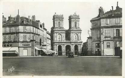 """CPSM FRANCE 32 """"Auch, place de la mairie"""""""