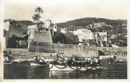 """/ CPSM FRANCE 06 """"Villefranche sur Mer, barques fleuries devant la citadelle"""""""