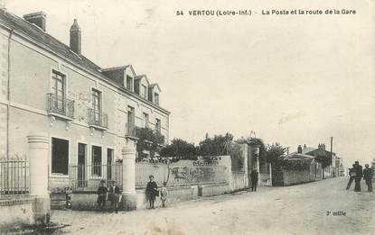 """/ CPA FRANCE 44 """"Vertou, la poste et la route de la gare"""""""