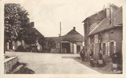 "/ CPA FRANCE 58 ""Poil en Morvan, place des Tilleuls"""