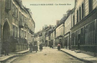"""/ CPA FRANCE 58 """"Pouilly sur Loire, la grande rue"""""""