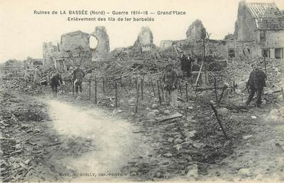 """/ CPA FRANCE 59 """"Ruines de la Bassée, Grand Place, enlèvement des fils barbelés"""""""