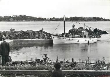 """/ CPSM FRANCE 22 """"La pointe de l'Arcouest, l'embarcadère pour l'Isle de Bréhat"""" / BATEAU"""