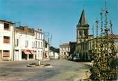 """17 Charente Maritime / CPSM FRANCE 17 """"Le Gua, la rue principale avec l'église"""""""