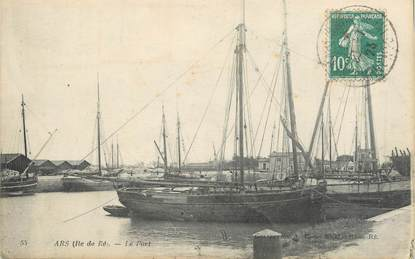 "/ CPA FRANCE 17 ""Ars, le port"" / BATEAU"