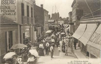 """/ CPA FRANCE 17 """"Fouras les Bains, la rue du marché"""""""