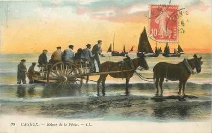 """/ CPA FRANCE 80 """"Cayeux sur Mer, retour de la pêche"""""""