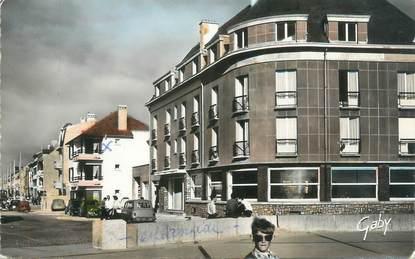 """/ CPSM FRANCE 80 """"Fort Mahon, l'hôtel des Terrasses et l'avenue de la Mer"""""""