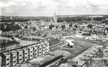 """/ CPSM FRANCE 80 """"Abbeville, la gare routière"""""""