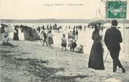 """80 Somme / CPA FRANCE 80 """"Plage du Crotoy, l'heure du bain"""""""