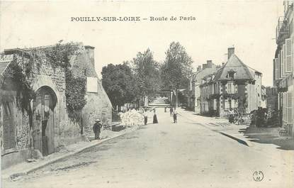 """/ CPA FRANCE 58 """"Pouilly sur Loire, route de Paris """""""