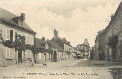 "/ CPA FRANCE 02 ""Longpont, grande rue du village"""