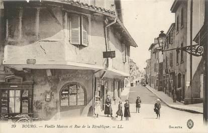 """CPA FRANCE 01 """" Bourg, rue de la République """""""
