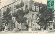 """03 Allier / CPA FRANCE 03 """"Vichy, hôtel Saint James et des Consuls"""""""