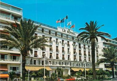 """/ CPSM FRANCE 06 """"Nice, l'hôtel le Royal, promenade des anglais"""""""