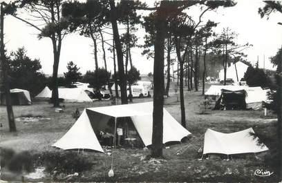 "CPSM FRANCE 17 ""Port des Barques, camping"""