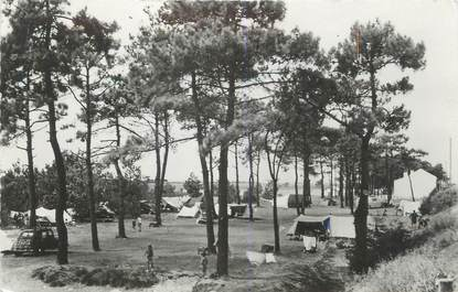 "CPSM FRANCE 17 ""Port des Barques, le camping"""