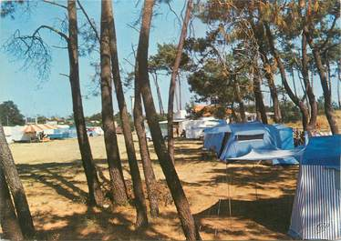"CPSM FRANCE 17 ""Marennes, plage"" / CAMPING"