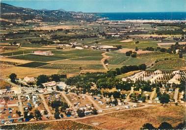 "/ CPSM FRANCE 83 ""Grimaud, club caravanier Camp Martin"" / CAMPING"
