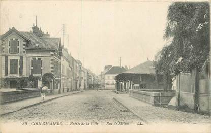 "CPA FRANCE 77 ""Coulommiers, rue de Melun"""