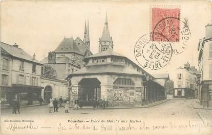 """CPA FRANCE 91 """"Dourdan, Place du Marché aux Herbes"""""""