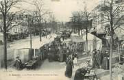 """49 Maine Et Loire / CPA FRANCE 49 """"Angers, la place du Pélican un jour de foire"""""""