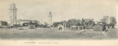 """CPA PANORAMIQUE FRANCE 76 """"Le Havre Sainte Adresse, les phares de la Hève"""""""