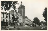 "47 Lot Et Garonne CPSM FRANCE 47 ""Villeneuve sur Lot, la porte de Paris et la place"""