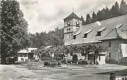 """74 Haute Savoie CPSM FRANCE 74 """"Samoëns, la place et l'église"""""""
