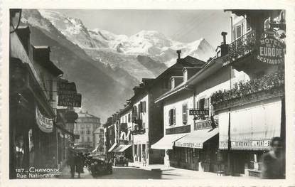 "CPSM FRANCE 74 ""Chamonix, rue Nationale"""