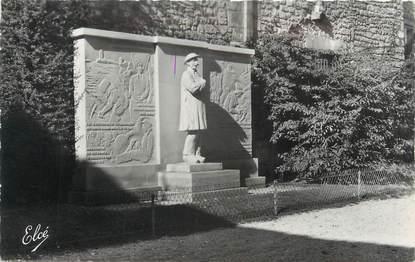 """CPSM FRANCE 17 """" Saintes, monument aux morts """""""