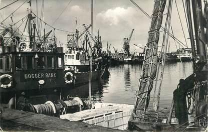 "CPSM FRANCE 62 ""Boulogne sur Mer, chalutiers"""